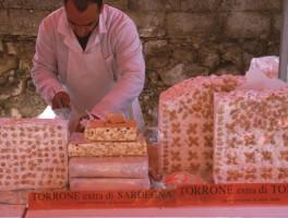 Dia01-5017 Sagra del Torrone Tonara